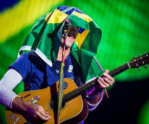 Chris Martin, coldplay, and brazil image