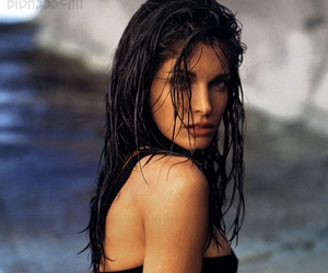 Stephanie Seymour, s.i. swimsuit model, and super smokin' hot legs image