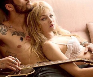 couple, gigi hadid, and love image