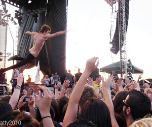 2010, bamboozle, and crowd surfing image