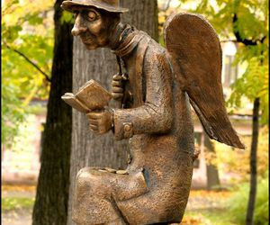 angel and book image