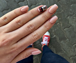 minnie and nails image