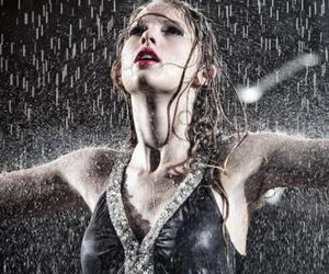 Taylor Swift, rain, and fearless image