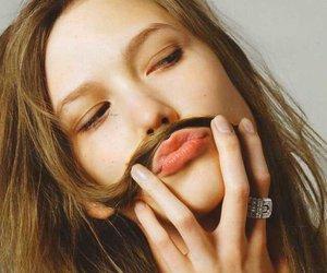 model and Karlie Kloss image