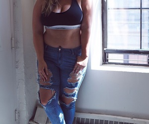 curvy and jeans image