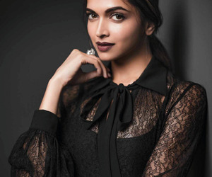 deepika padukone, bollywood, and fashion image