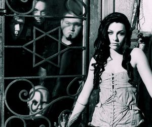 evanescence, amy lee, and black and white image
