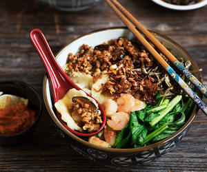 noodles and pork image