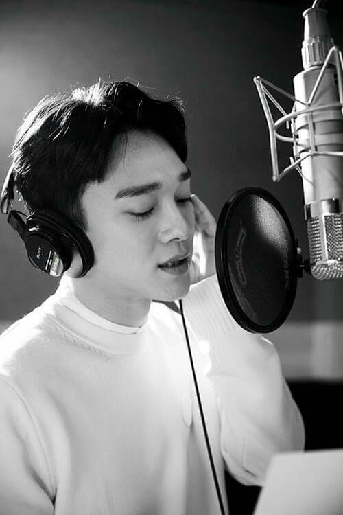 Chen singing shared by squishy247 on We Heart It