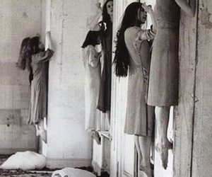 horror, black and white, and creepy image