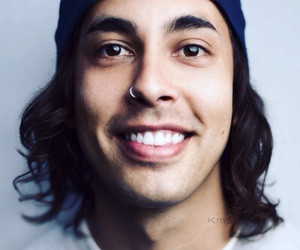 pierce the veil, ptv, and vic fuentes image