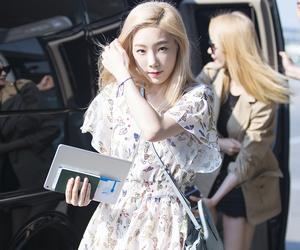 taeyeon, snsd, and kim taeyeon image