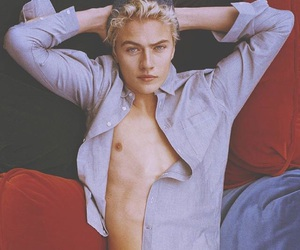 lucky blue smith, blue eyes, and model image