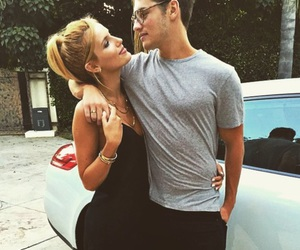 couple, bella thorne, and gregg sulkin image