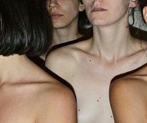 90's, beige, and collarbones image