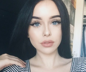acacia brinley, makeup, and eyes image