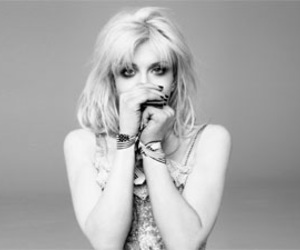 black and white, celebrity, and Courtney Love image