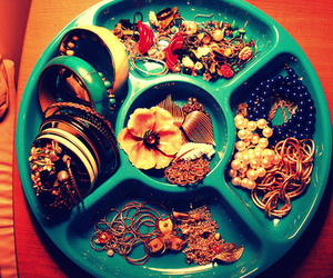 accesories and jewelry image