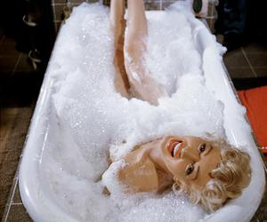 Marilyn Monroe, bath, and marilyn image