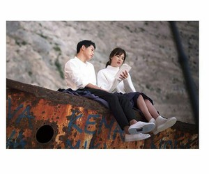song joong ki and descendants of the sun image