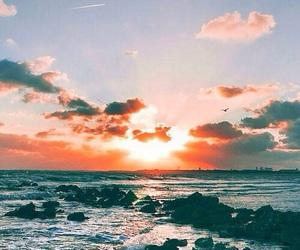 wallpaper, sea, and sun image