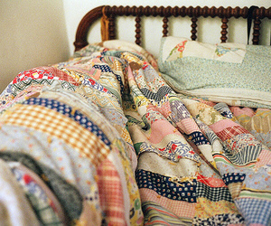 bed, vintage, and quilt image
