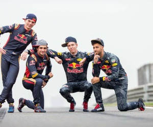 f1, red bull racing, and daniel ricciardo image