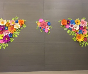 backdrop, diy, and paper flowers image