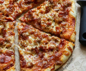 pizza, cheese, and yummy image