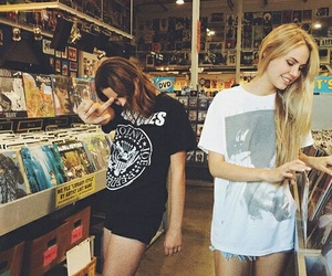 girl, best friends, and grunge image