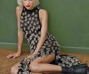 Taylor Swift, vogue, and singer image