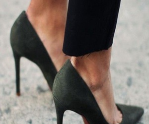 black and pumps image