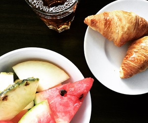 breakfast, hotel, and juice image