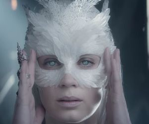 Emily Blunt, snow queen, and the huntsman image