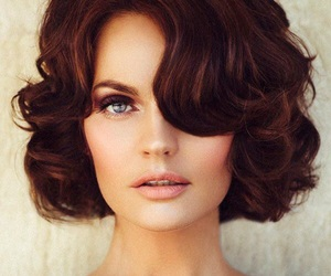 hair, hairstyle, and retro image