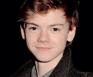 thomas sangster, thomas brodie-sangster, and newt image