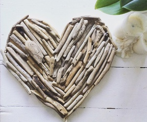 bois, candle, and driftwood image