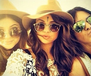 Kendall, kylie, and ❤ image