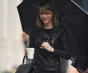 Taylor Swift, black, and taylor image