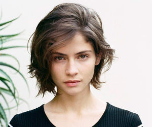 hair, short hair, and beauty image