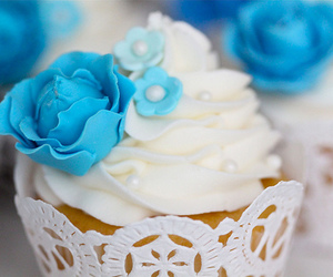 blue flower and cupcake image