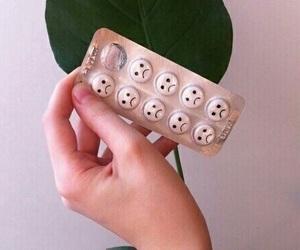sad, grunge, and pills image