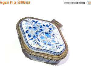 blue flowers, home decor, and vintage box image