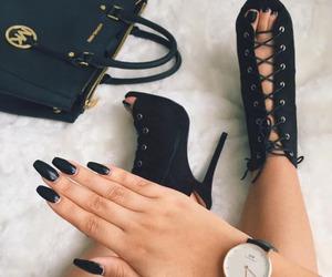 black, elegant, and moda image