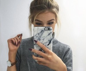 girl, iphone, and nails image