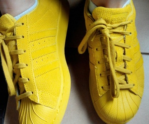 adidas, superstar, and moutarde image