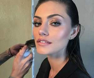 phoebe tonkin, makeup, and beauty image