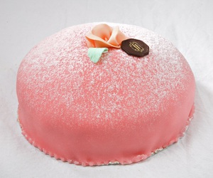 cake, frosting, and princess cake image