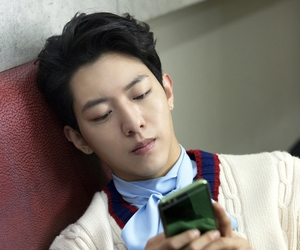 cnblue, lee jungshin, and jungshin image