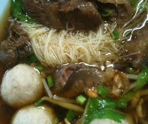 thai food and beef noodle soup image